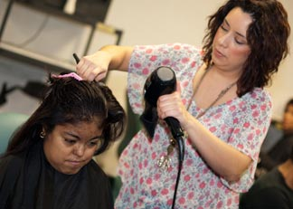 Teens with Kidney Disease Get Prom Makeovers from Celeb Stylists!!